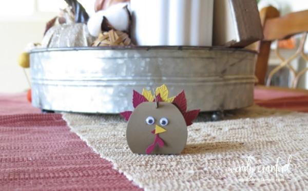 Turkey Table Decor with Mini Curvy Keepsake from Stampin' UP! #thanksgiving #fall #kidscrafts #stampinup #luvinstampin #minicurvykeepsake