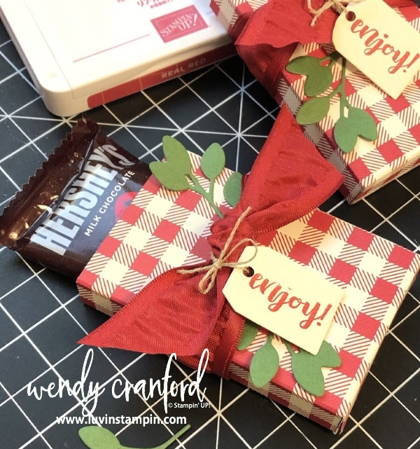 Simple Christmas candy treat box creating with the Cup Of Christmas stamp set from Stampin' UP! and Toile Tidings Designer Series Paper. www.luvinstampin.com
