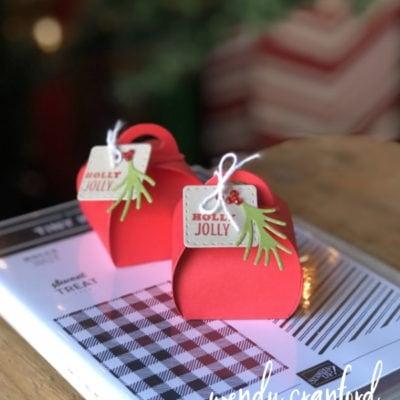 Mini Curvy Keepsake Christmas Table Decoration