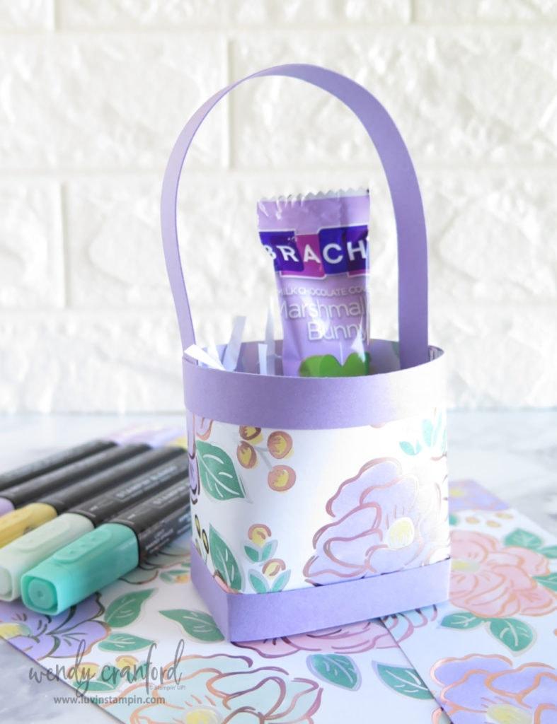 Handmade mini easter gift bag featuring Stampin' UP Flowering Foil designer series paper